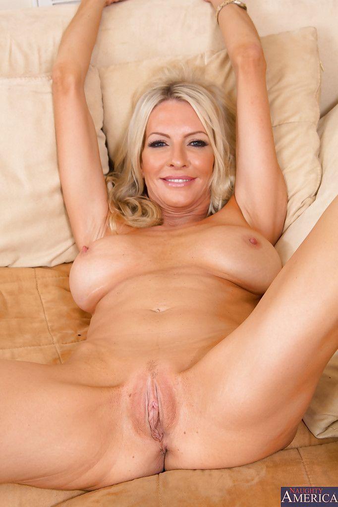 Milf nackt blond Free Mature
